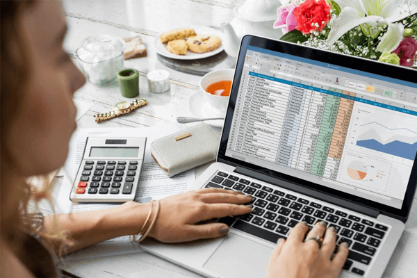 como calcular lucros