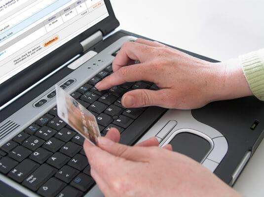 Cartão de crédito pela Internet